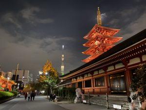 スカイツリーと裏からの浅草寺